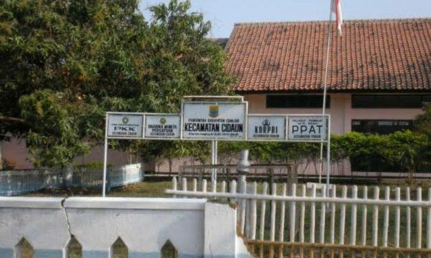 Kisah Kyai Pamungkas: Makam Keramat Eyang Ngabehi Cirebon